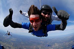 Tandem Skydiving in Nashville